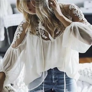Pretty flowy lace chiffon top